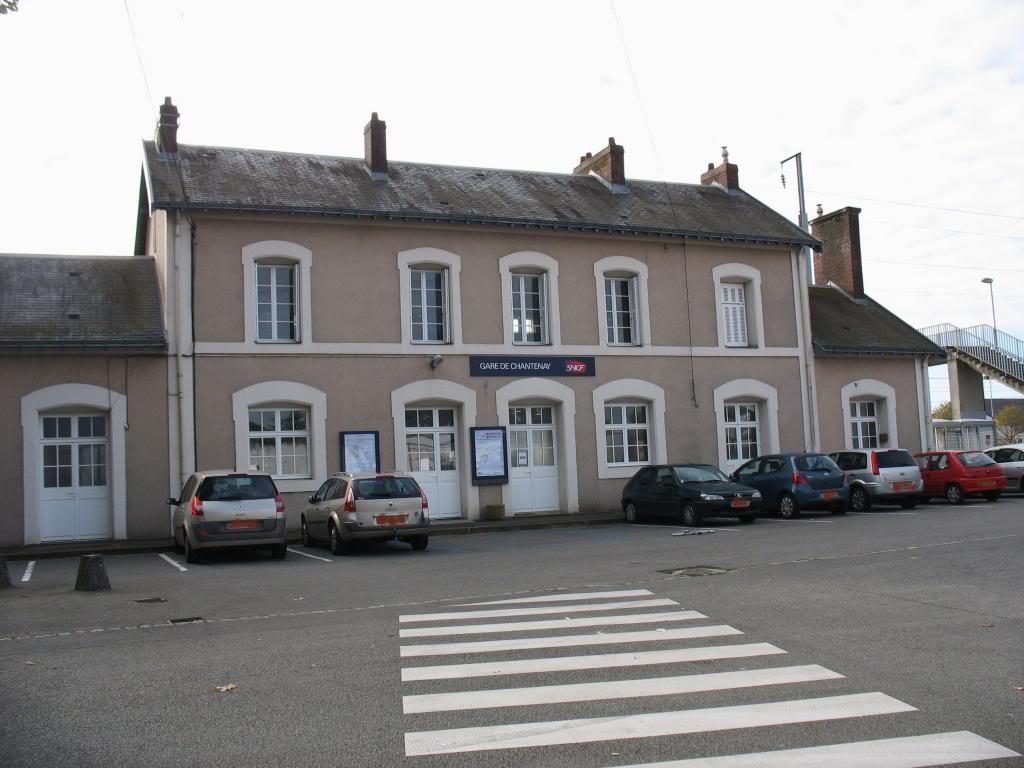 Les gares de Nantes à Savenay - Ligne Nantes-Le Croisic-Redon-Quimper 7-Chantenaycocircteacuteparking