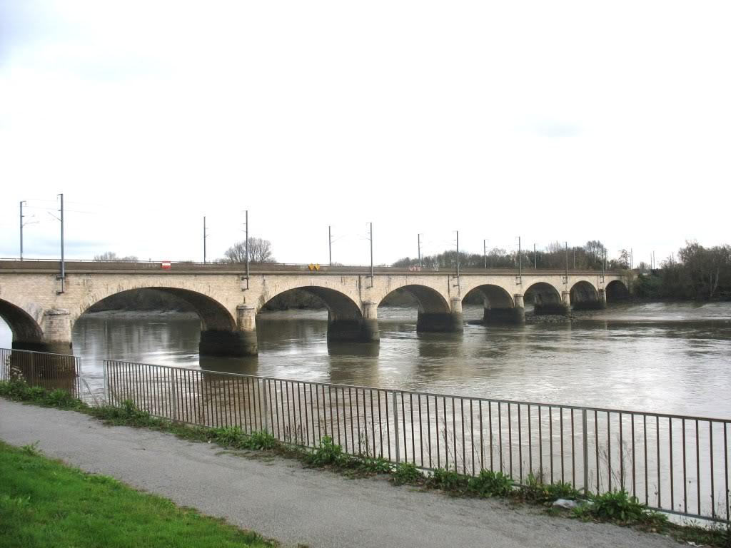 Les Ponts de la Vendée à Nantes - Ligne de Nantes-Clisson... PontLoireMalakoff2