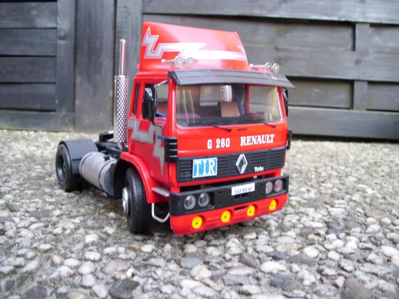 Renault G260 Heller 1/24 033