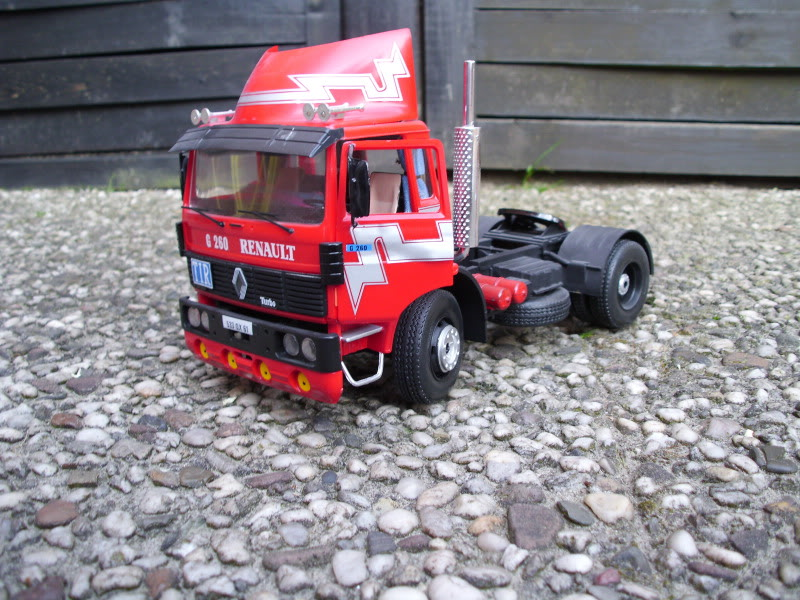 Renault G260 Heller 1/24 036