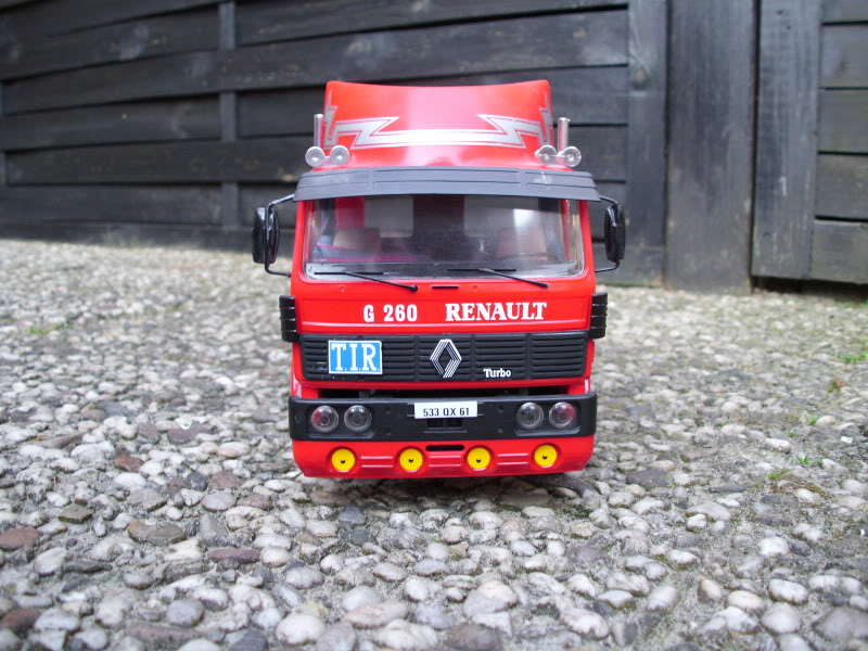 Renault G260 Heller 1/24 037