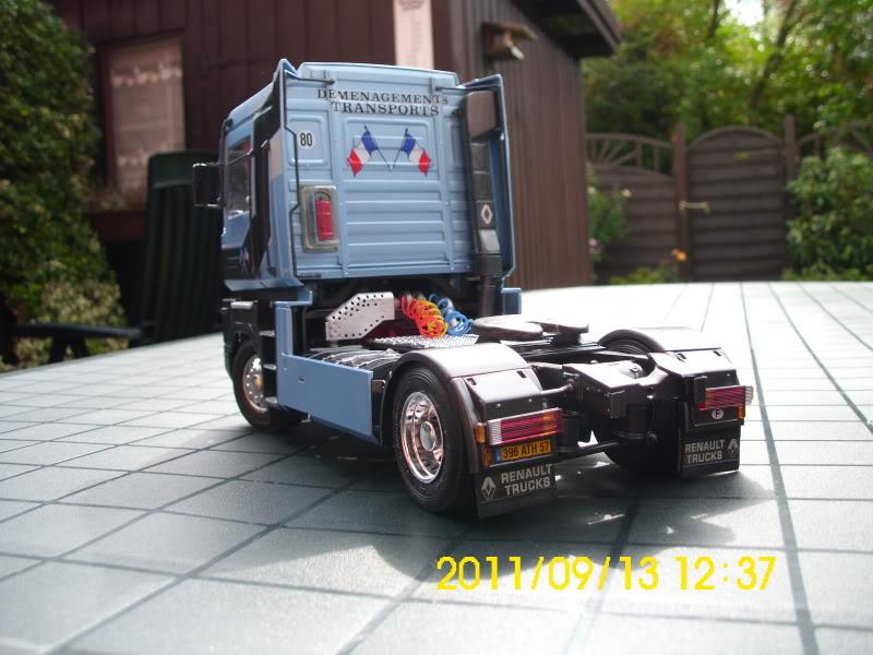 Renault Magnum 2001er Version / Italeri1:24 DSCI0081