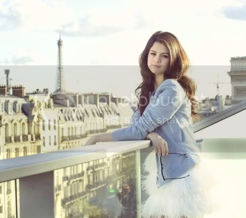Selena Gomez - Page 4 Tumblr_lgscmrxFHv1qgg003o1_500_large-1