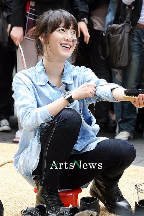 [NEWS] Hye Sun đi đánh giày (Win Win-KBS) T3408761