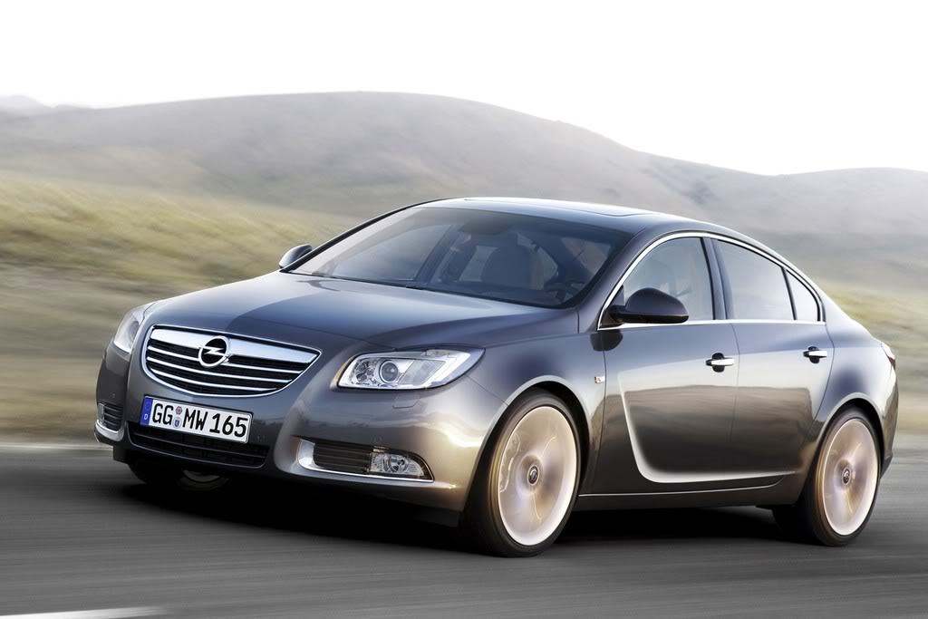 *STICKY*  OPEL INSIGNIA (Omega Replacement) 01_opel_insignia_first