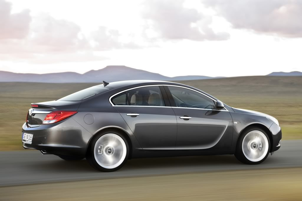 *STICKY*  OPEL INSIGNIA (Omega Replacement) 03_opel_insignia_first