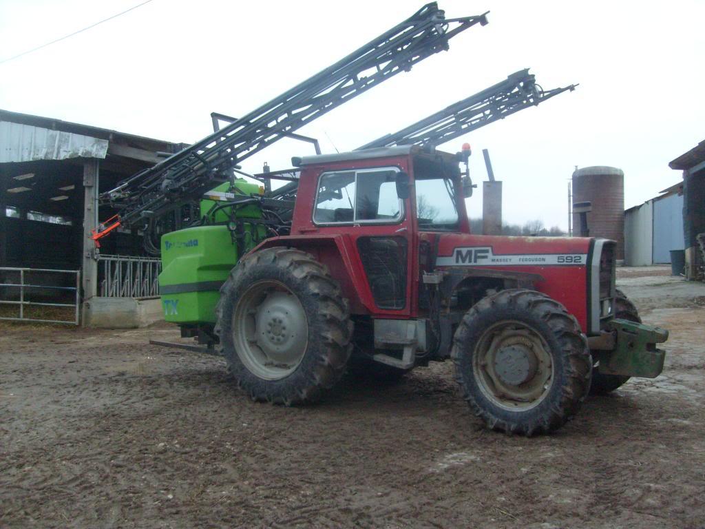 Photos de vos tracteurs - Page 5 S7302343_zpsb65656f8