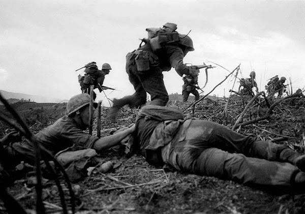 Segunda Guerra Mundial - Página 2 MarinesassaultonHill881nearKheSahn