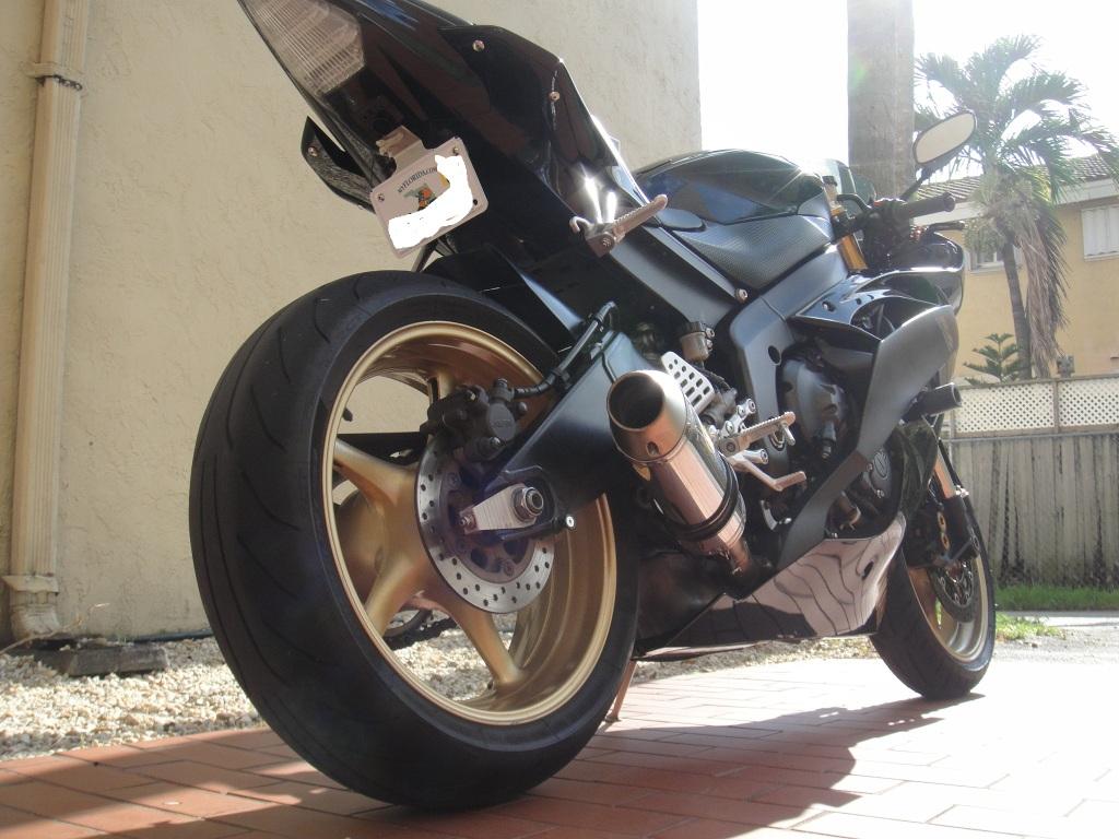 2009 yamaha r6 raven edition!!!! DSC01273-1
