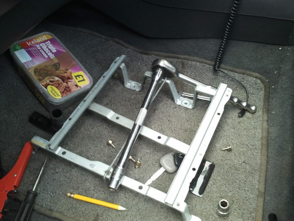 Underseat trays 2012-04-04124931
