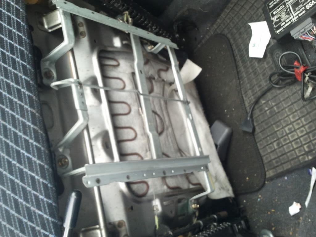 Underseat trays 2012-04-04125839