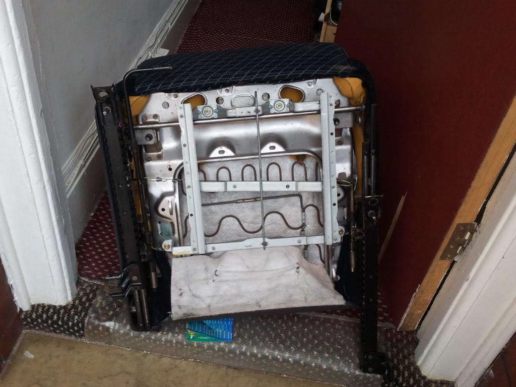 Underseat trays 2012-04-13122444