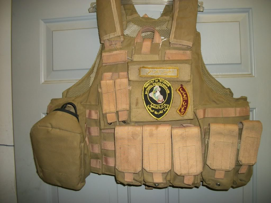Iraqi worn Vest (1/45th Iraqi Army) US made carrier 101_0775