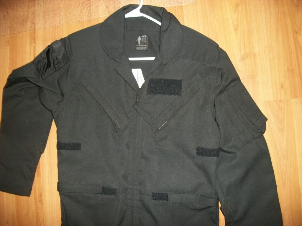 Jonathan Idema * Ex-Special Forces * Created alot of headlines around Ft. Bragg awhile back * A piece of his ICS clothing line * RARE ? 101_3562