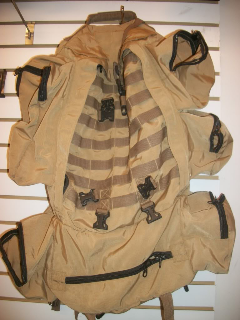 Full Size Assault Pack * SHANDAR CO. * GARBAGE CAN RESCUED * 101_9064