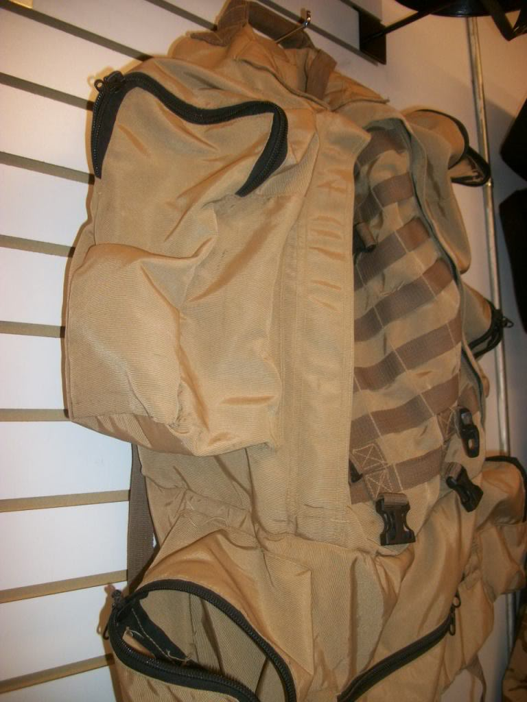 Full Size Assault Pack * SHANDAR CO. * GARBAGE CAN RESCUED * 101_9065