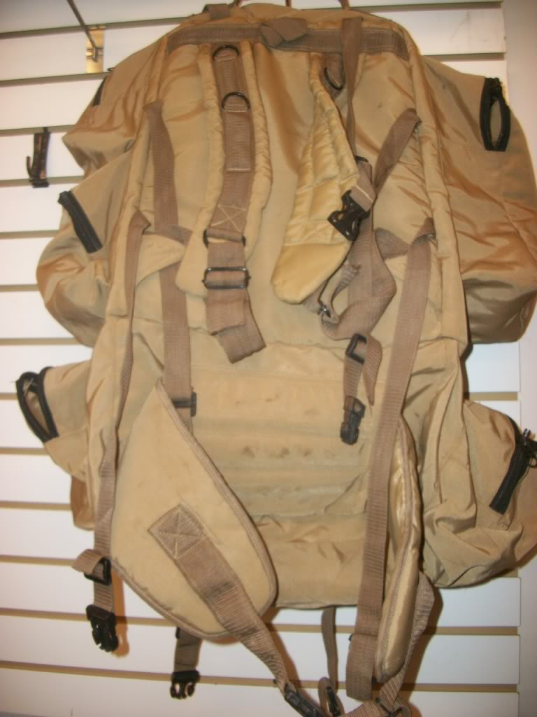 Full Size Assault Pack * SHANDAR CO. * GARBAGE CAN RESCUED * 101_9067