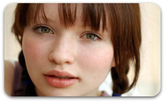 Avery Decker Emily_Browning_04