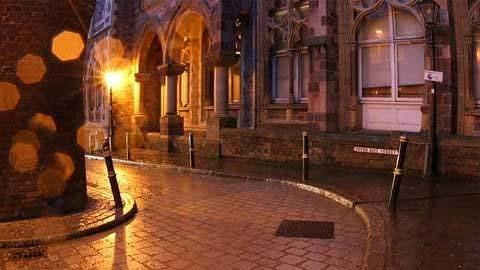 10 trường đại học ma quái nhất nước Anh 1330508384-truong-dai-hoc-ma-quai6