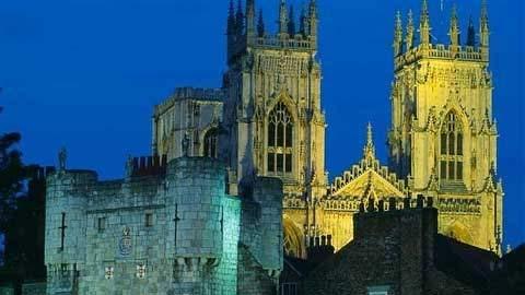 10 trường đại học ma quái nhất nước Anh 1330508384-truong-dai-hoc-ma-quai7
