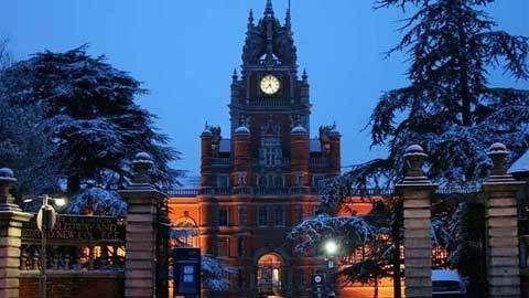 10 trường đại học ma quái nhất nước Anh 1330508384-truong-dai-hoc-ma-quai9