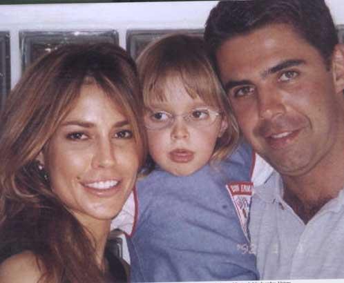 Christina y Athina Onassis - Página 3 2003-03-19-a