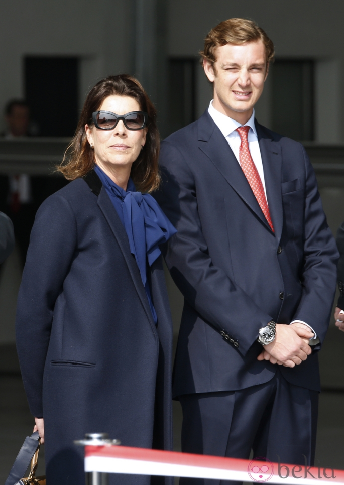 Carolina, princesa de Hannover y de Mónaco - Página 3 37219_carolina-monaco-pierre-casiraghi-presentacion-avion-niza_zps27849c3e