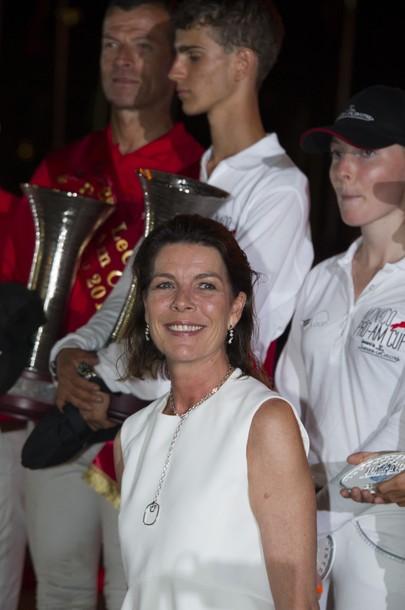 Carolina, princesa de Hannover y de Mónaco Caro12012mcjumping