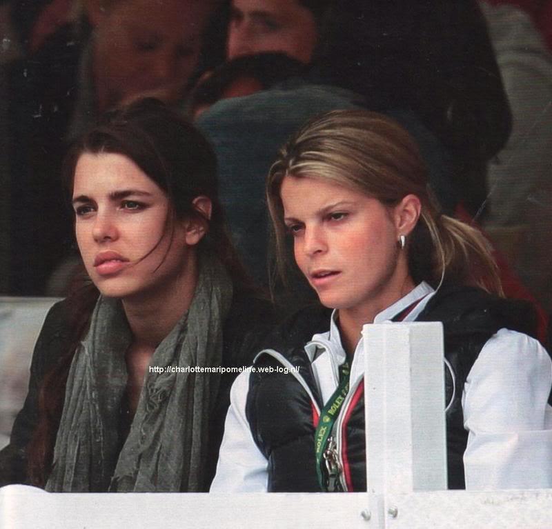 Christina y Athina Onassis - Página 2 Charlotteathina