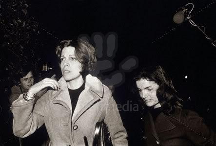 Christina y Athina Onassis - Página 2 Christinayjackie1
