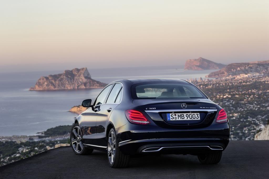 (W205): Flagras e fotos  - Página 13 2015-Mercedes-C-Class-253_zps3aadc806