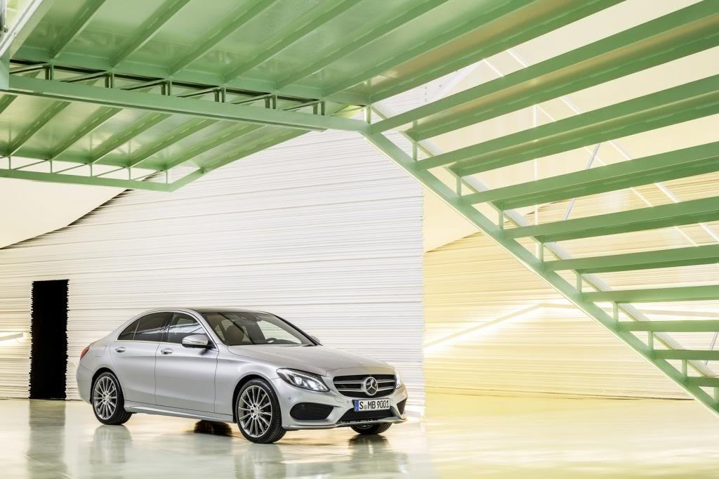 (W205): Flagras e fotos  - Página 13 2015-Mercedes-C-Class-303_zps74011581