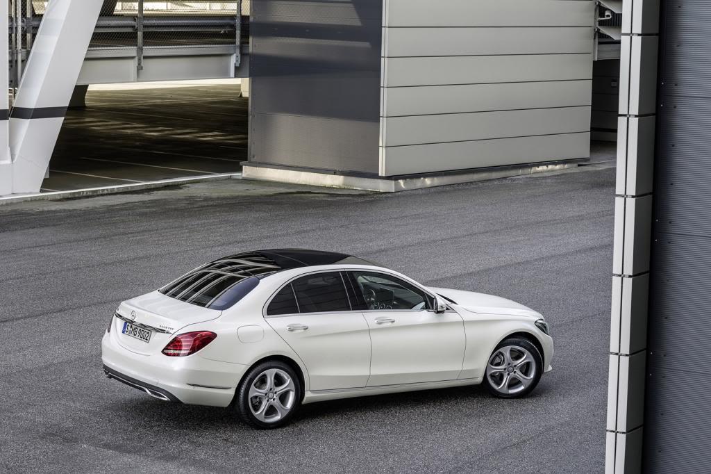 (W205): Flagras e fotos  - Página 13 2015-Mercedes-C-Class-413_zps771489ea