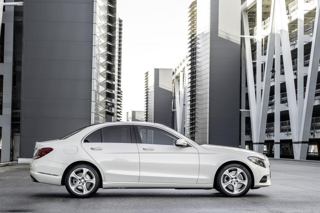(W205): Flagras e fotos  - Página 13 2015-Mercedes-C-Class-433_zpsda7c37bf