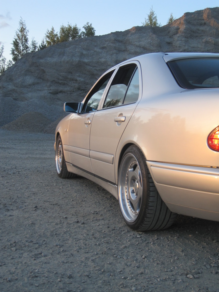 Miksu MB: Camaro -78 & Jaguar x300 IMG_0198