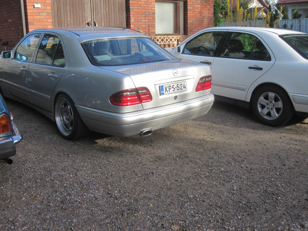 Miksu MB: Camaro -78 & Jaguar x300 - Sivu 2 IMG_0500