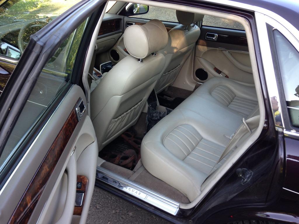 Miksu MB: Camaro -78 & Jaguar x300 - Sivu 4 IMG_2326_zpsxcrkahsx