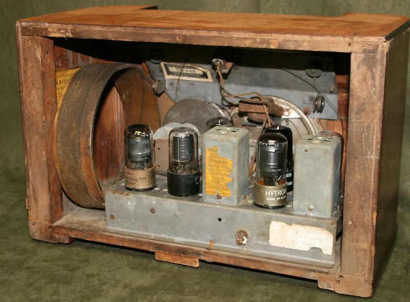 Silvertone Model 7134  KGrHqQOKnUE53D9Tk52BOenG1COg60_3