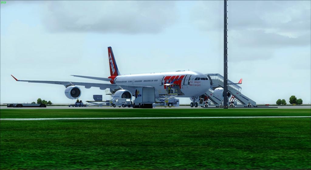 SBFL - SUMU - A340-500 TAM Fsx2012-07-1122-47-24-49