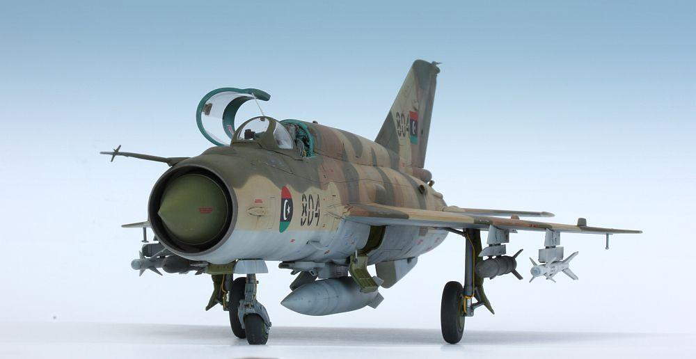 موسوعة طائرات الميغ (МиГ) (MiG) MiG-21Bis029_zpsd8f41c10