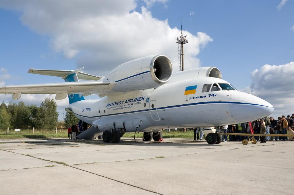 Neobicni, najljepši i najružniji avioni Antonov_An-74_3_zps11dbfdfb