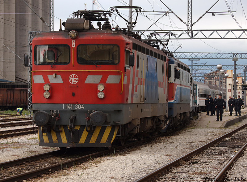 Navijački vlakovi P5077186_zpsaba3e951