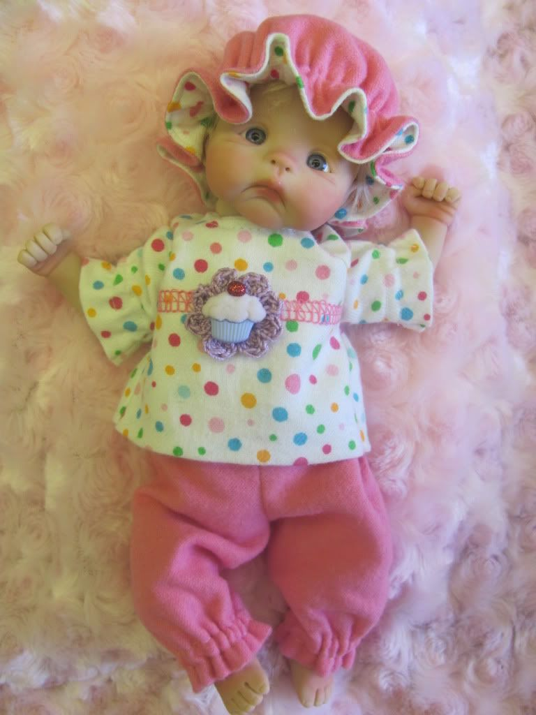 Welcome to TLC Artdolls' mini clothing page! IMG_0045