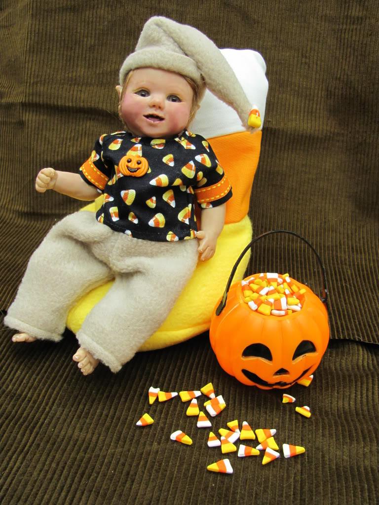 OOAK mini Candy Corn Elf on eBay IMG_0728