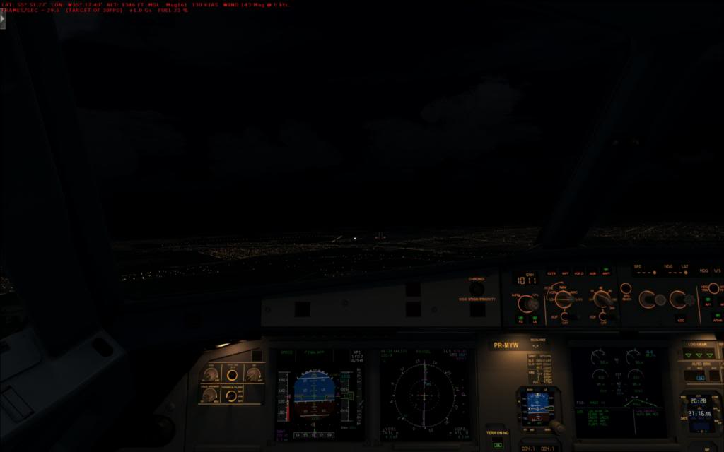Testando as luzes do FTX no cenário de SBNT por Paulo Ricardo 2014-1-7_0-23-47-666_zps0460c579