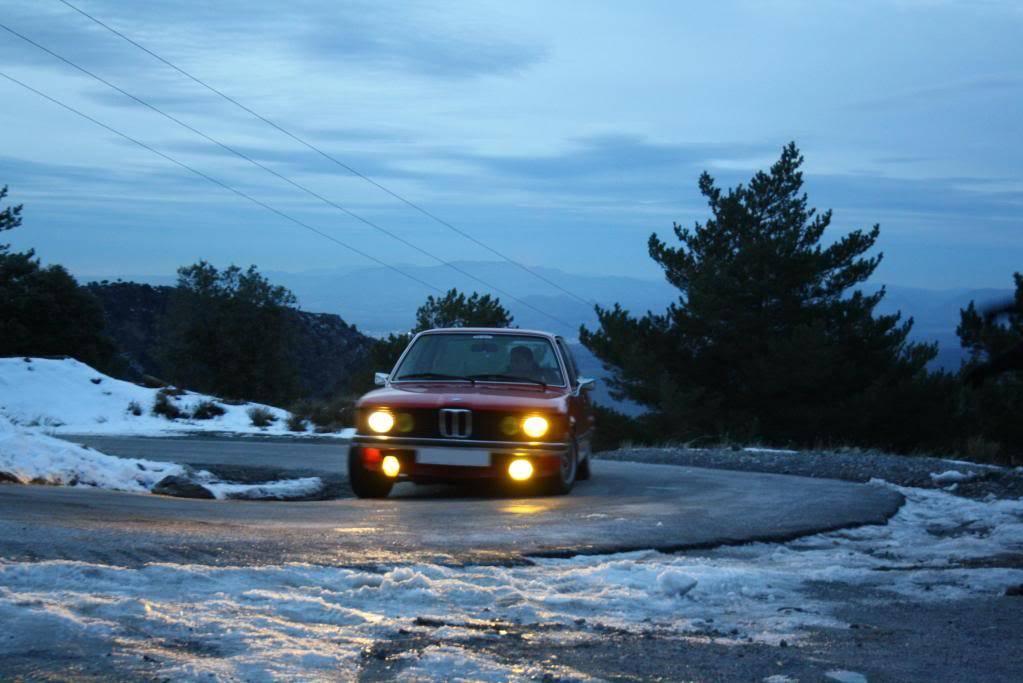 BMW 320i E21 B044