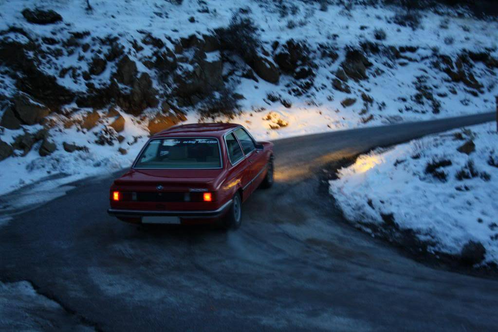 BMW 320i E21 B054