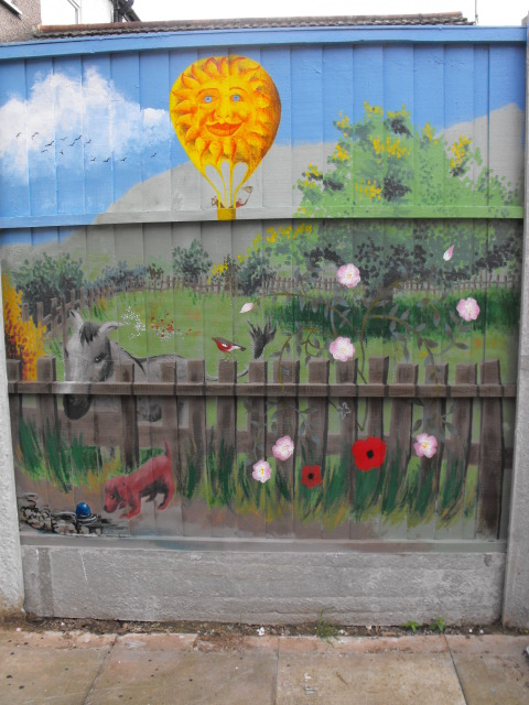 mural for my Mum and her garden DSCF1751