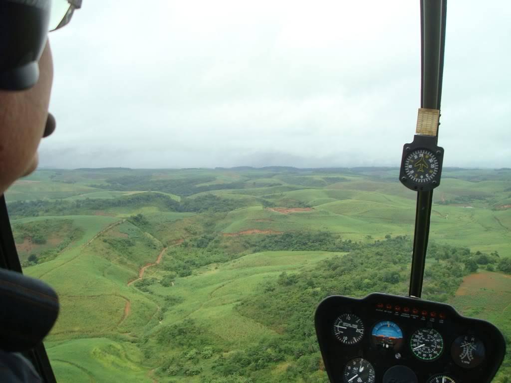 Voando Robinson 44 Raven II  DSC07838