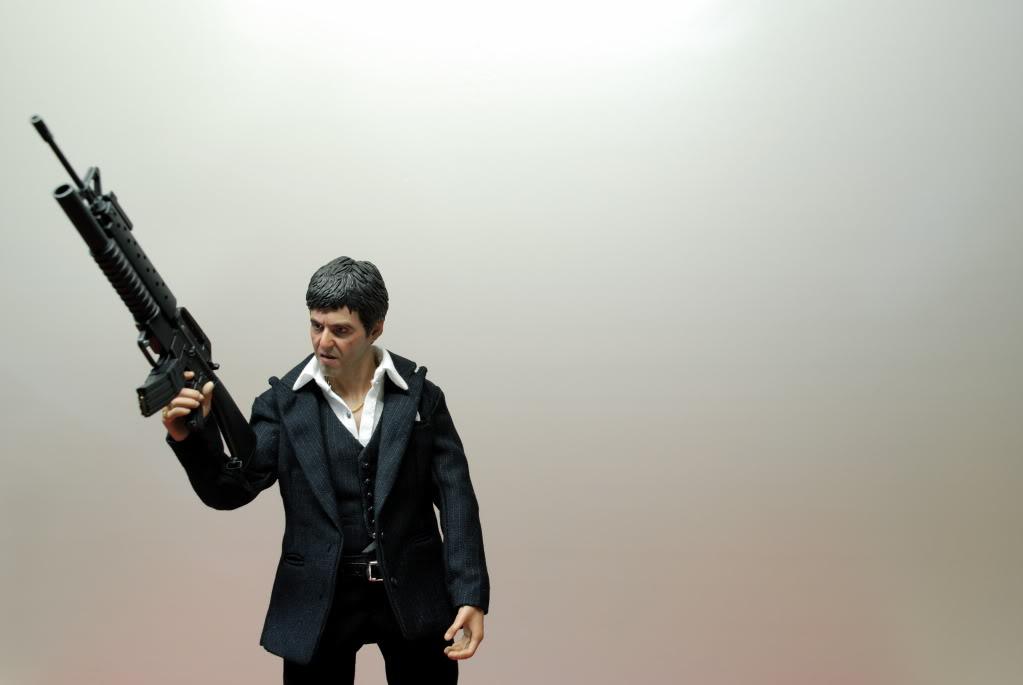 "[Enterbay] Scarface ""War Version"" - 1/6 scale - LANÇADO!!! - Página 5 DSC_4793"